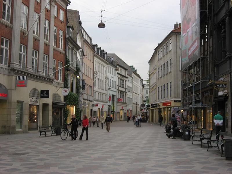 Đan Mạch có nhiều tuyến phố dành riêng cho người đi bộ