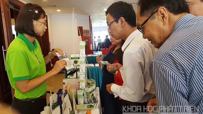 Các doanh nghiệp tại AHTP giới thiệu các sản phẩm của mình
