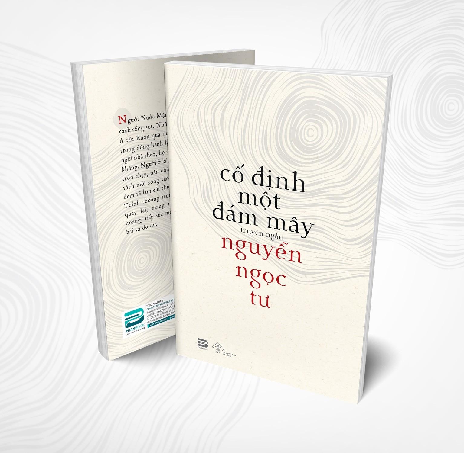 """Cuốn sách """"Cố định một đám mây"""". Ảnh: Phanbook và NXB Đà Nẵng."""
