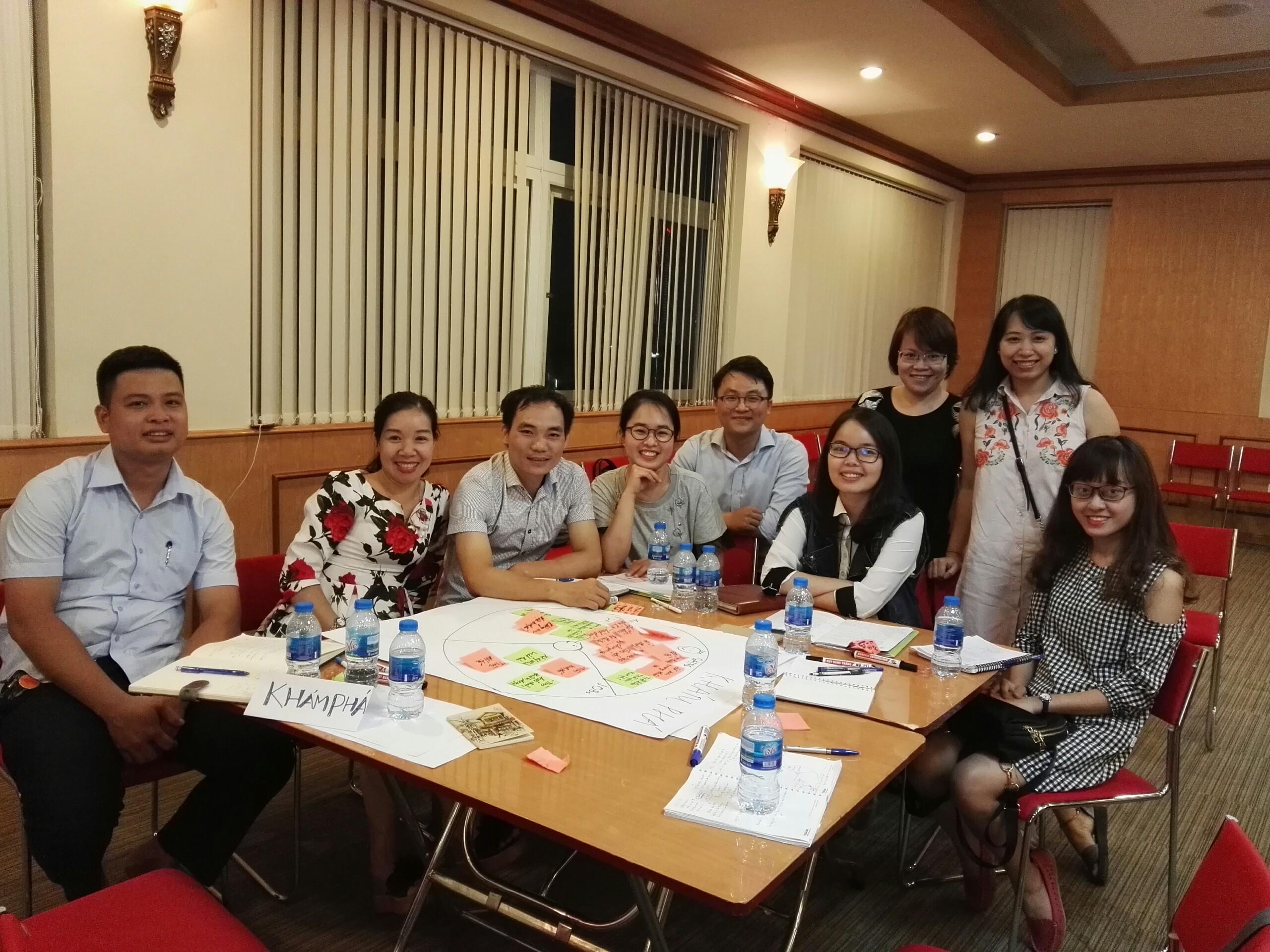 Các thành viên trong dự án Labshare. Ảnh: KH&PT
