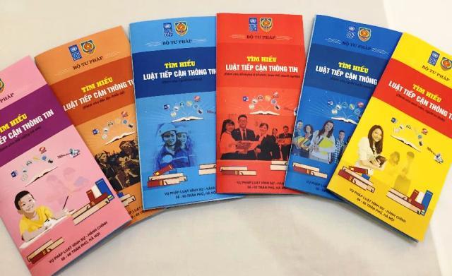 Các tờ gấp phiên bản đầu tiên vào tháng 11/2018 với 6 ấn phẩm dành cho các đối tượng khác nhau | Nguồn: Bộ Tài Chính
