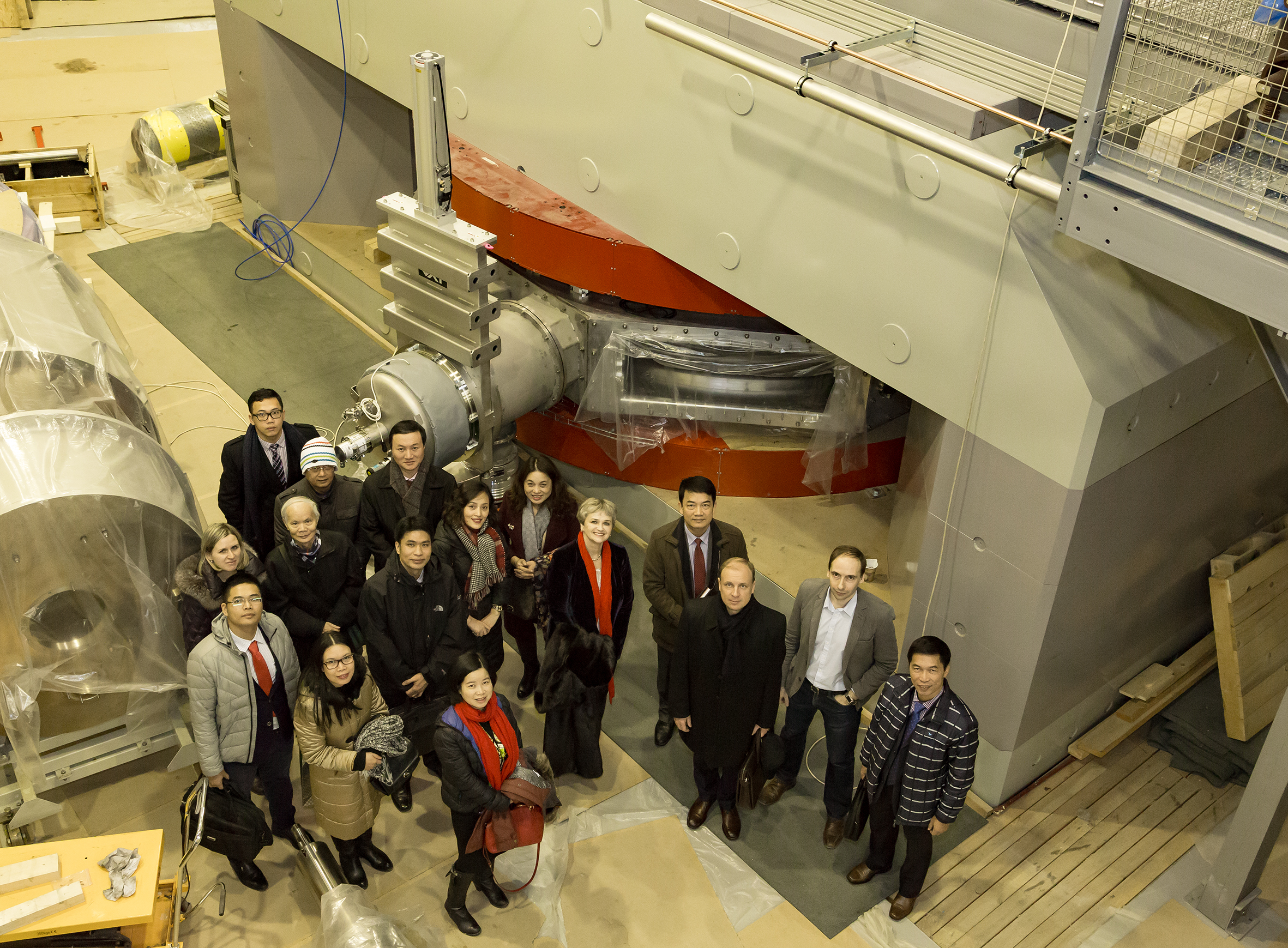Đoàn cán bộ của VINATOM làm việc về kế hoạch hợp tác trong đào tạo nhân lực với Viện Liên hợp hạt nhân Dubna (Nga). Nguồn: JIRN