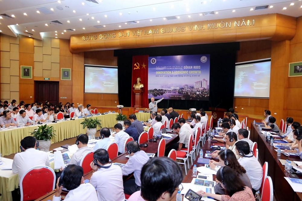Một buổi giảng về đổi mới sáng tạo của GS Goran Roos do chương trình Đối tác đổi mới sáng tạo Việt Nam - Phần Lan (IPP) tổ chức cho các nhà quản lý KH&CN và đổi mới sáng tạo. Ảnh: IPP