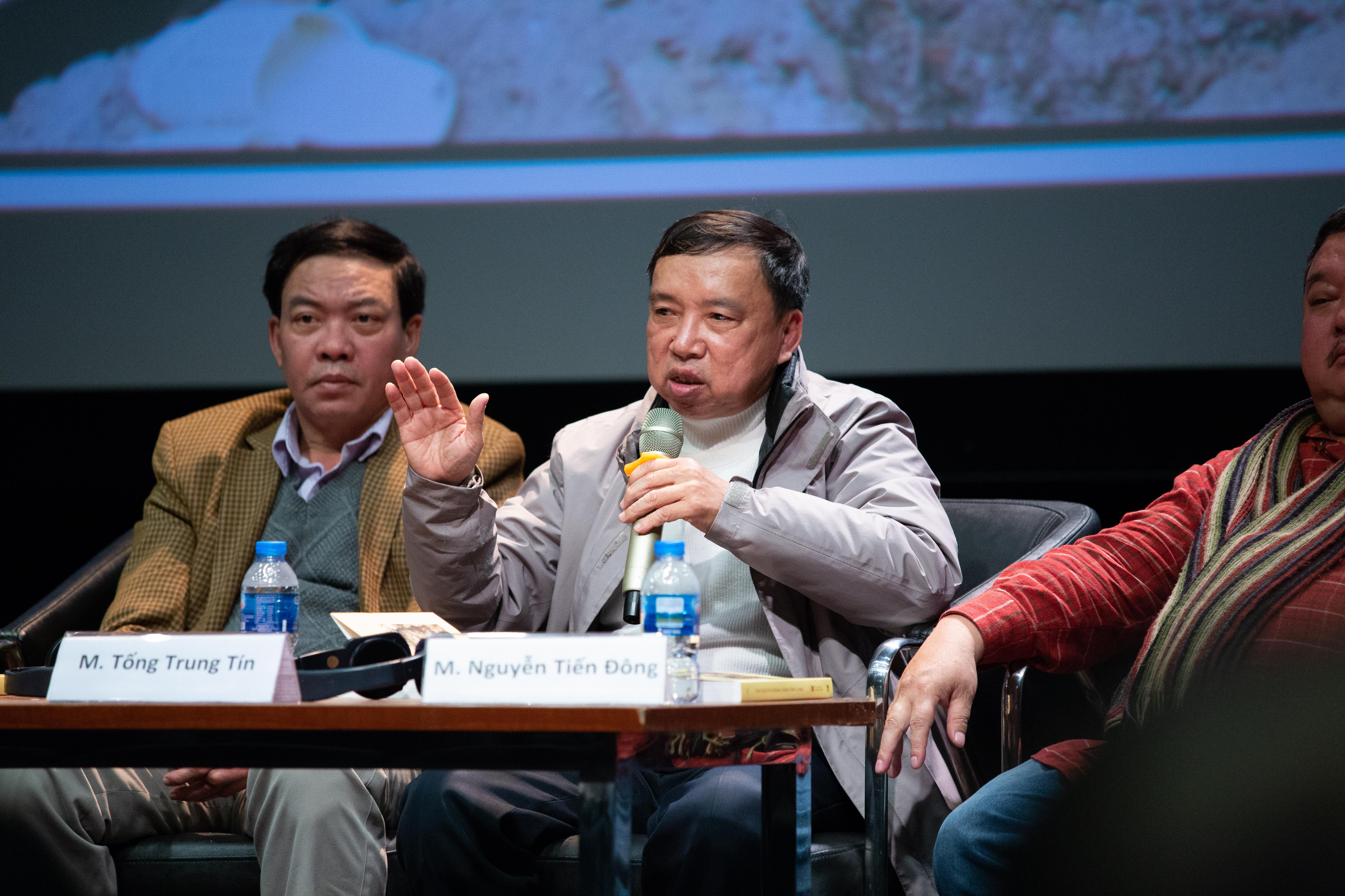 Phó GS. Tống Trung Tín phát biểu tại hội thảo về những phát hiện tại Hoàng thành. Ảnh: Tuấn Quang