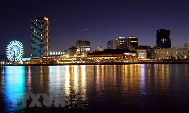 Khu cảng Kobe lung linh vào buổi tối. (Ảnh: Huy Hùng/TTXVN)