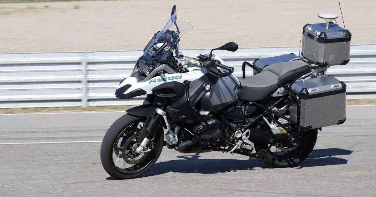 Trong tháng 9/2018, BMW từng tung đoạn video giới thiệu chiếc xe máy tự lái mà hãng đang phát triển. Ảnh: BMW.