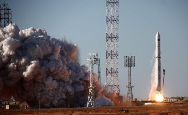 Kính viễn vọng vô tuyến điện không gian Spektr-R được phóng lên vũ trụ năm 2011. (Nguồn: STR/AFP/GETTY IMAGES)