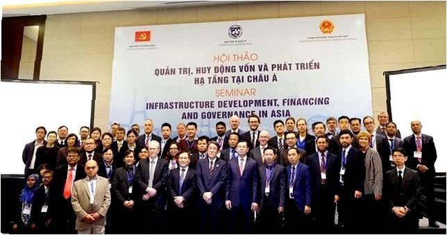 Các đại biểu tham dự hội thảo chuyên đề về cơ sở hạ tầng | Nguồn VOV