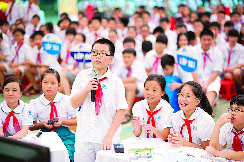 Học sinh tại lễ phát động cuộc thi Giải Toán qua Internet năm học 2014-2015. Nguồn: fpteducationgroup.wordpress.com