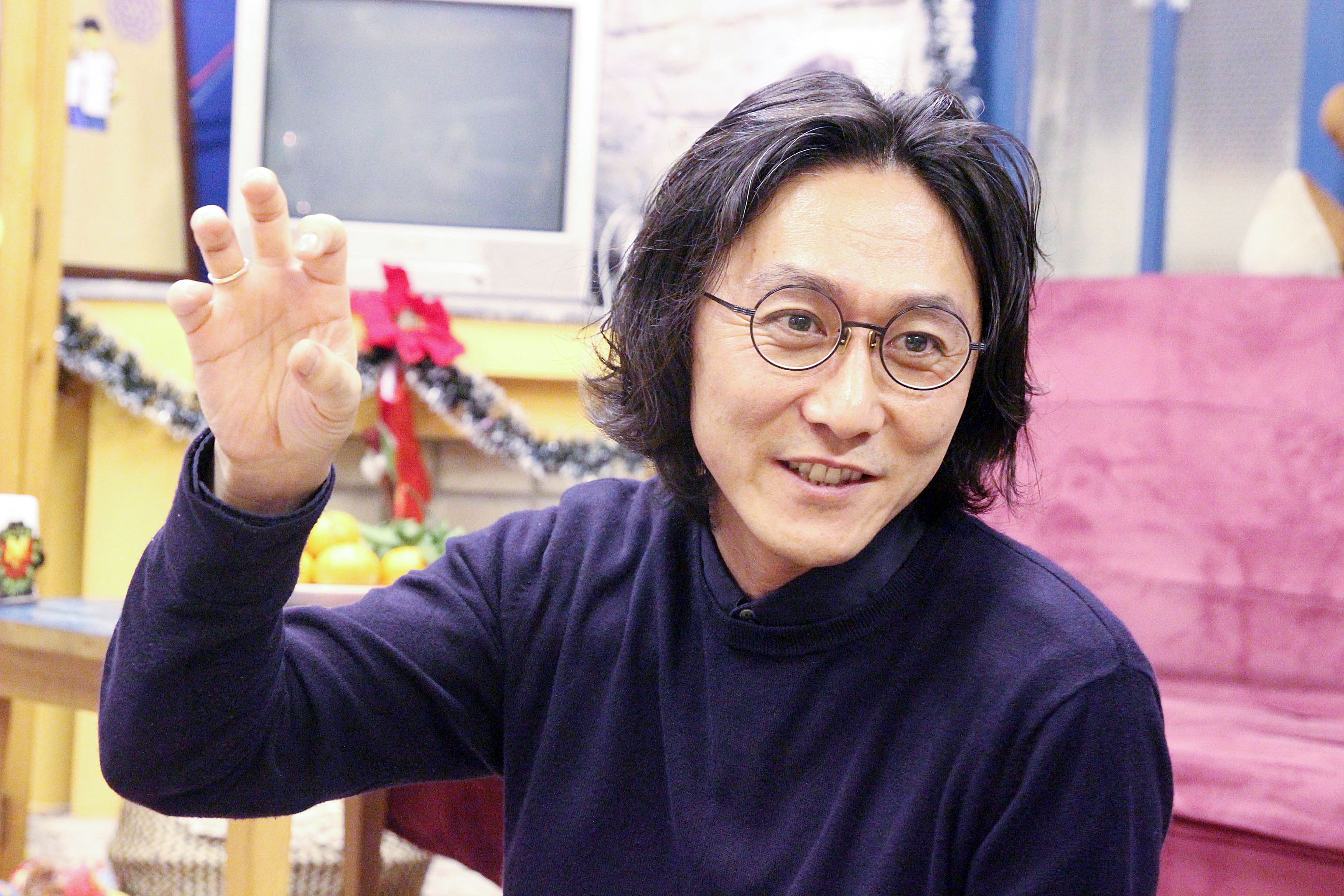 Đạo diễn Tsuyoshi Sugiyama ở Hà Nội, tháng 12/2018. Ảnh: Cò Trắng