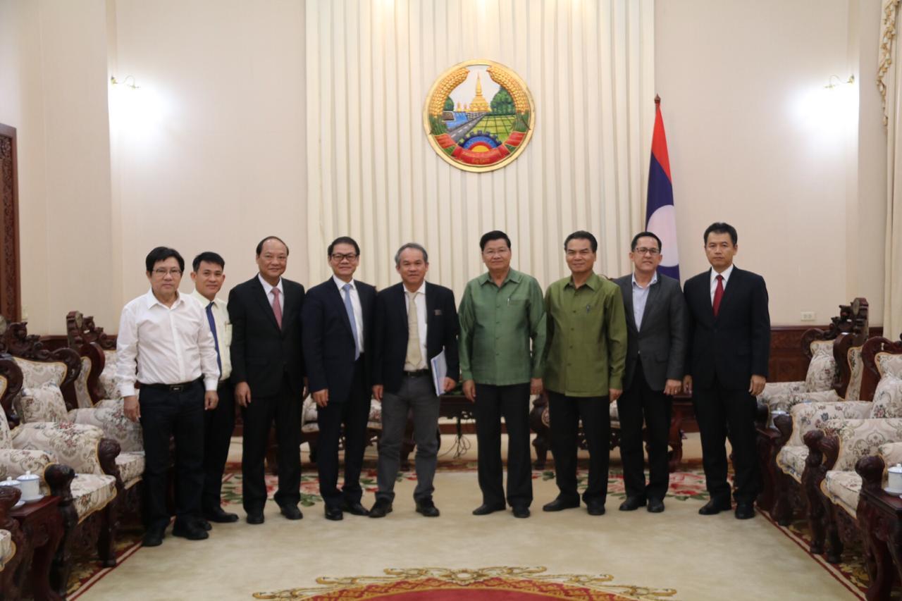 Tổng thống Lào Thongloun Sisoulith cùng Lãnh đạo THACO và HAGL