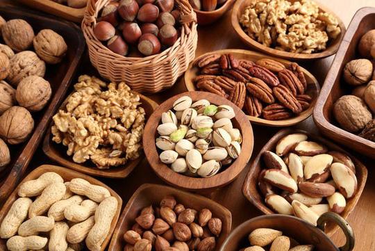 Chỉ cần 5 phần ăn vặt nhỏ là các loại hạt mỗi tuần, nguy cơ mắc bệnh tim và các tai biến chết người như nhồi máu cơ tim, đột quỵ giảm đáng kể, bao gồm ở nhóm nguy cơ cao như người tiểu đường - ảnh minh hoạ từ internet.