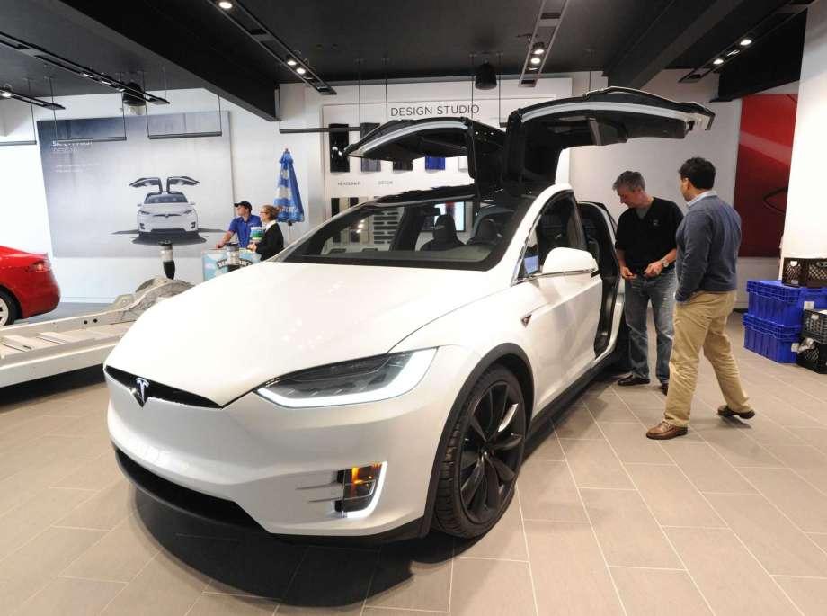 Tesla của tỷ phú Elon Musk hiện vẫn đang gặp rất nhiều khó khăn trong việc hiện thực hóa tham vọng. Ảnh: CTPost.