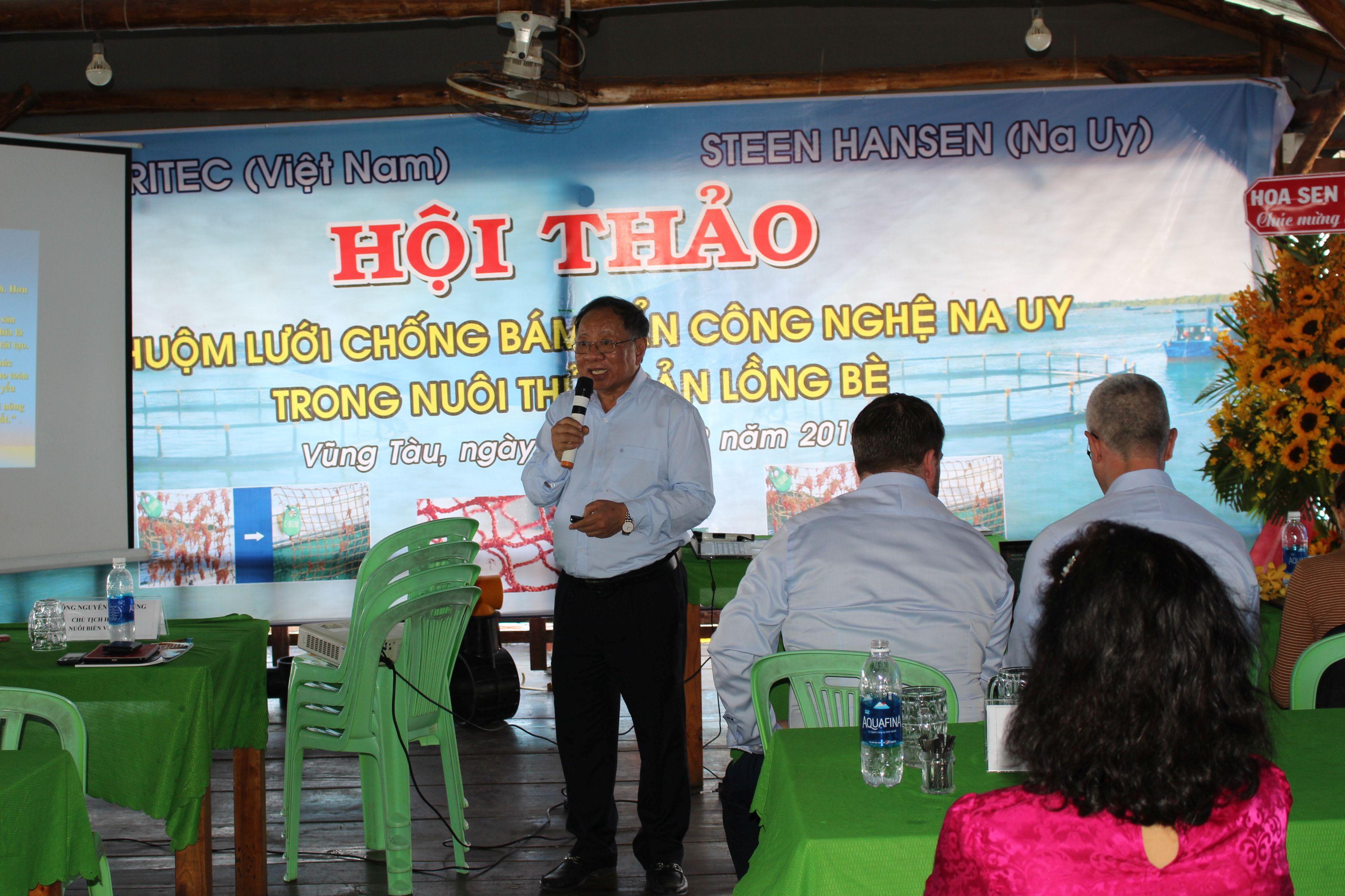 PGS TS Nguyễn Hữu Dũng, chủ tịch Hiệp hội nuôi biển Việt Nam phát biểu tại Hội nghị. Ảnh: Nguyễn Bá Thông.