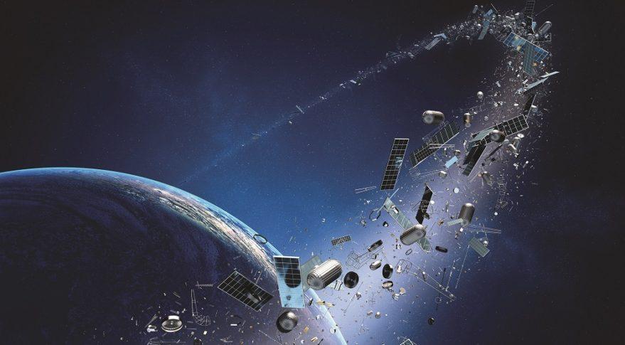 Các mảnh vỡ quỹ đạo là mối nguy hiểm lớn quanh Trái Đất | Minh họa: iStock