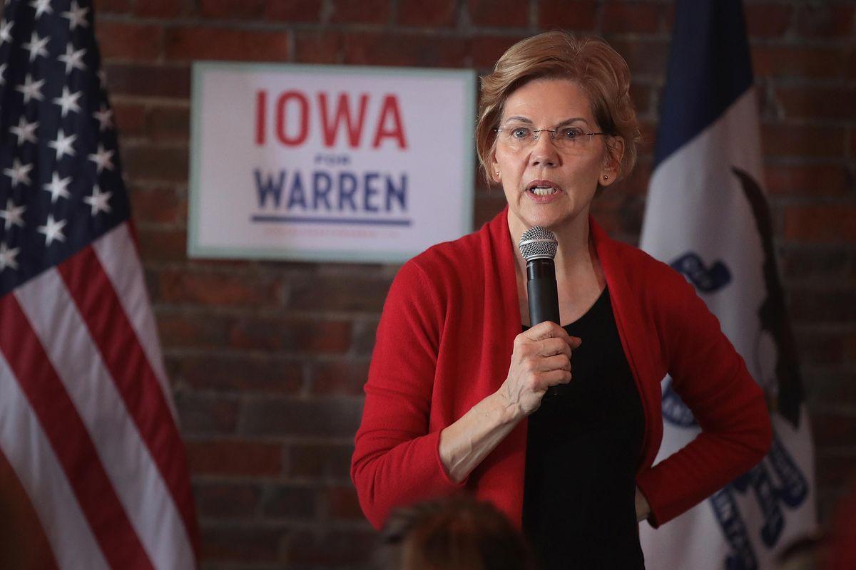 Sau cựu ngoại trưởng Hilary Clinton, TNS Elizabeth Warren (Đảng Dân chủ) đại diện cho tiểu bang Massachusetts được kỳ vọng sẽ trở thành nữ tổng thống đầu tiên của nước Mỹ. Ảnh: Vox.