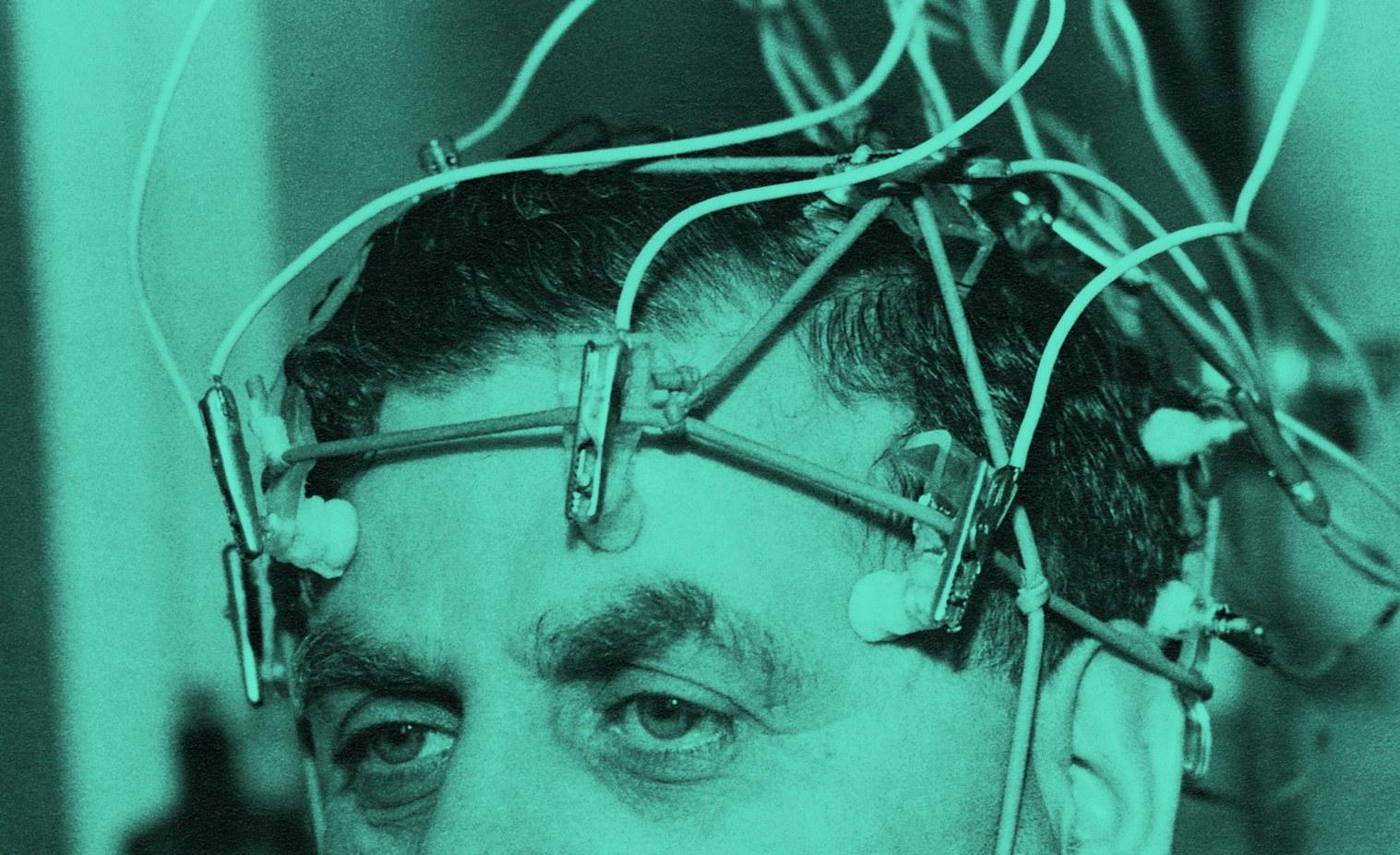 Ý tưởng thiết bị đọc suy nghĩ người dùng của Facebook. Ảnh: Wired.