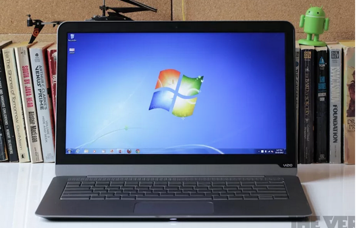 Hệ điều hành Windows 7 đã bị Microsoft ngừng hỗ trợ cập nhật mới và đang dính lỗ hổng bảo mật nguy hiểm. (Nguồn: The Verge)