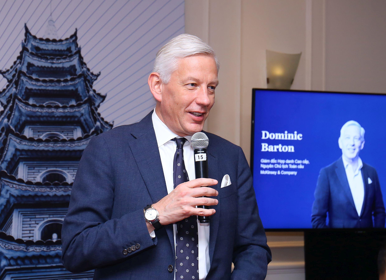 Dominic Barton tại hội thảo Lãnh đạo Việt Nam thời đại số | Ảnh: McKinsey & Co