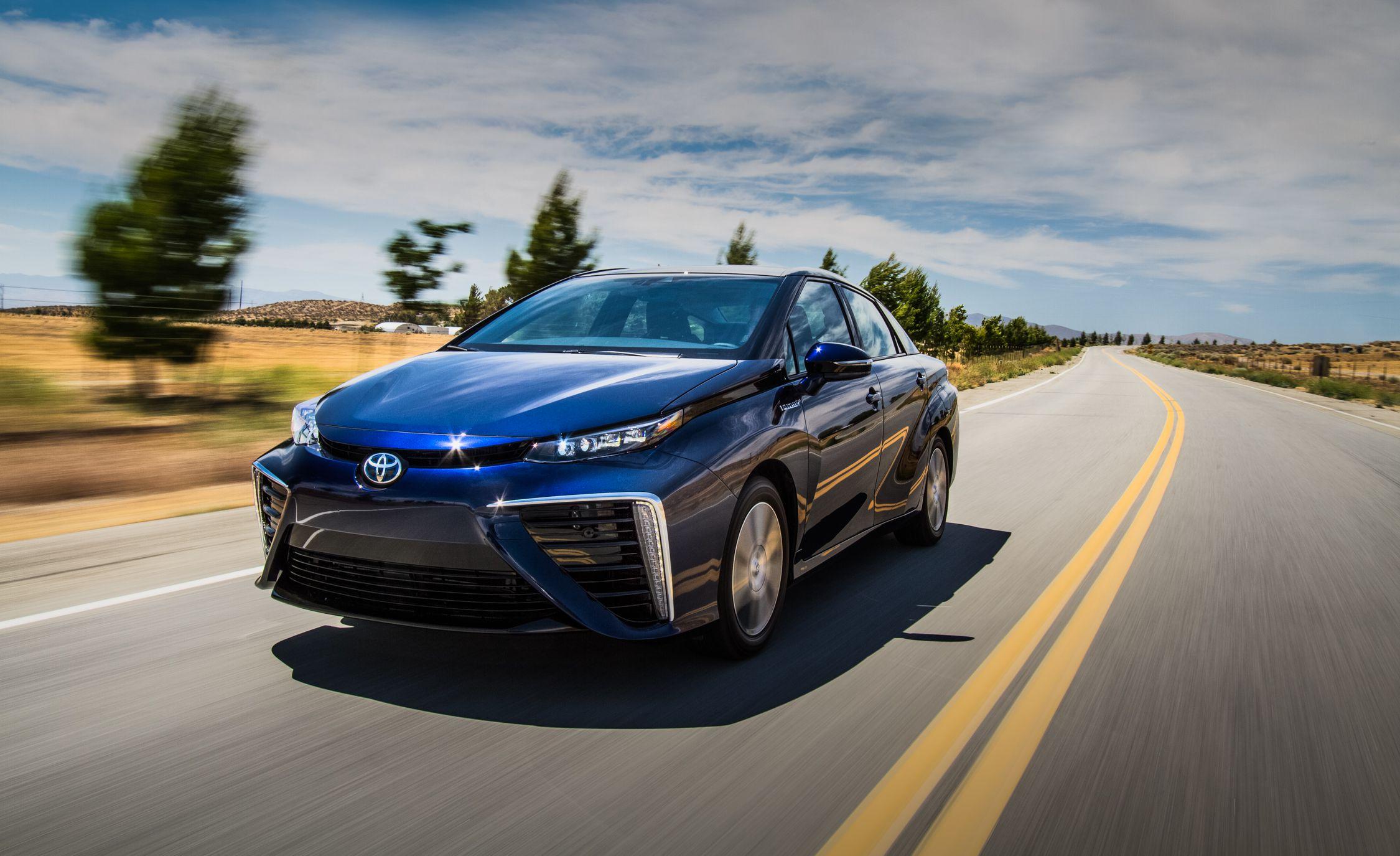 Mẫu concept xe Mirai chạy hydro của Toyota. Ảnh: Toyota.