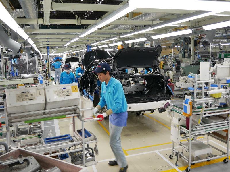 Bên trong dây chuyền lắp ráp của Toyota tại Nhật. Ảnh: Toyota.