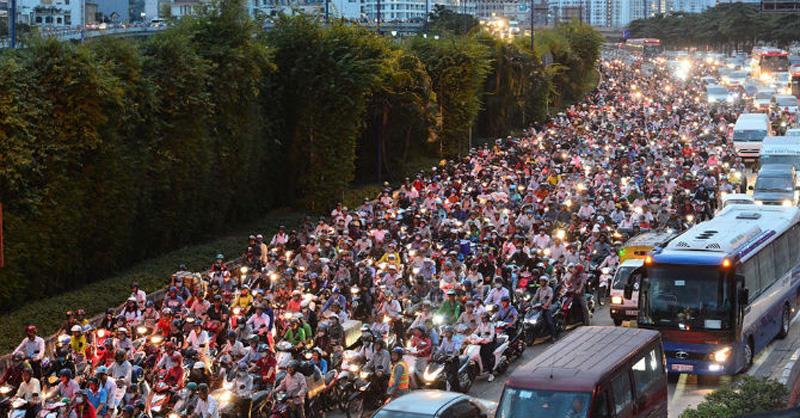 Đi xe chung giúp giảm tình trạng ùn tắc giao thông ở các đô thị lớn
