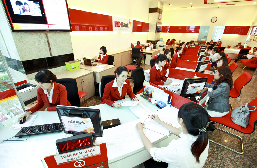 Dịch vụ tài chính là ngành có tốc độ phát triển nhanh, tuy nhiên vẫn còn hạn chế cho nhà đầu tư nước ngoài