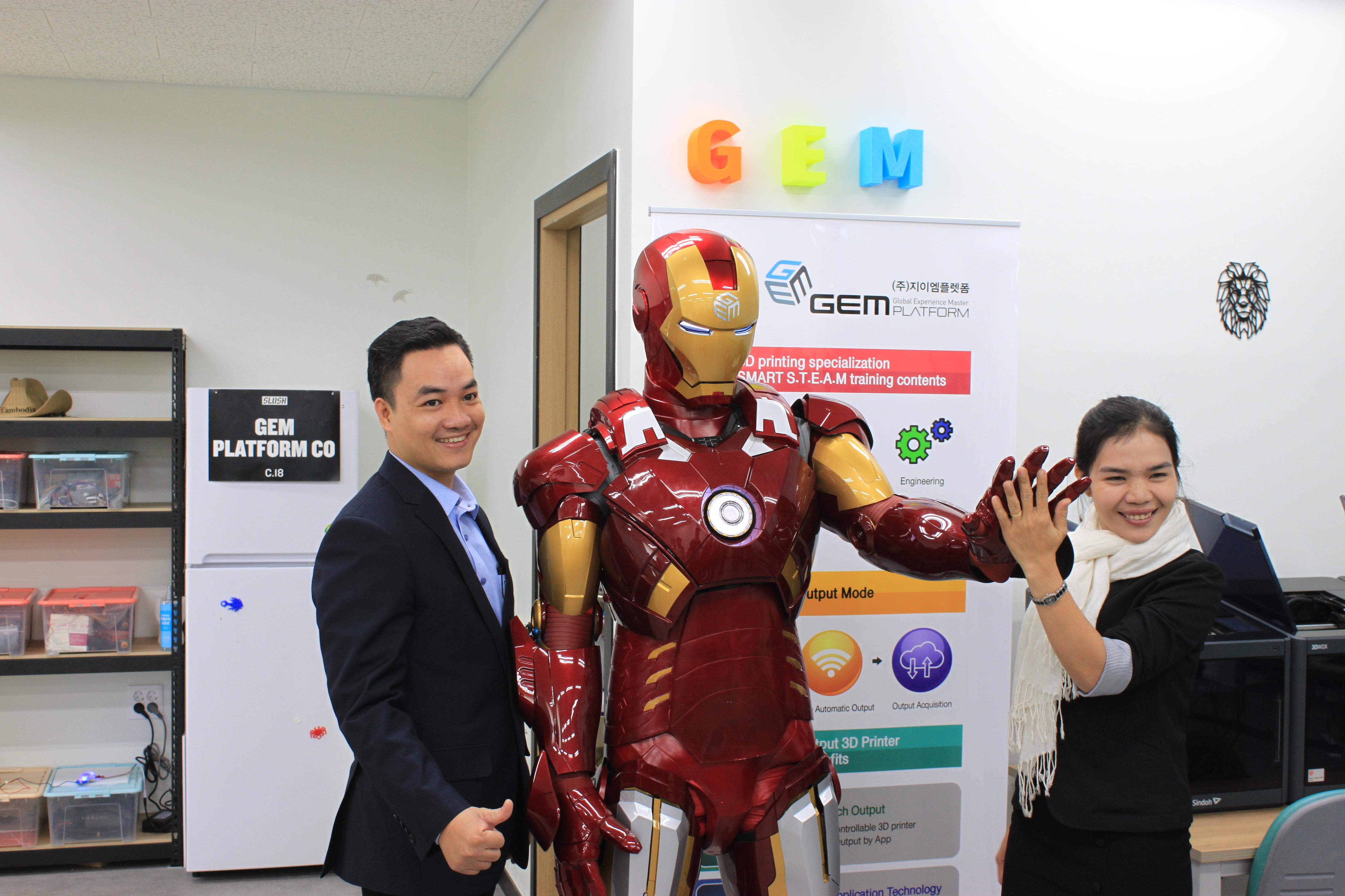 Bộ áo của nhân vật Ironman này được in thẳng từ một máy in 3D. Ảnh: T.Bung