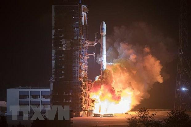 Tên lửa đẩy Trường Chinh 3B mang theo 2 vệ tinh định vị Bắc Đẩu rời bệ phóng tại Trung tâm phóng vệ tinh Tây Xương, tỉnh Tứ Xuyên, Trung Quốc ngày 19/11/2018. (Ảnh: THX/TTXVN)