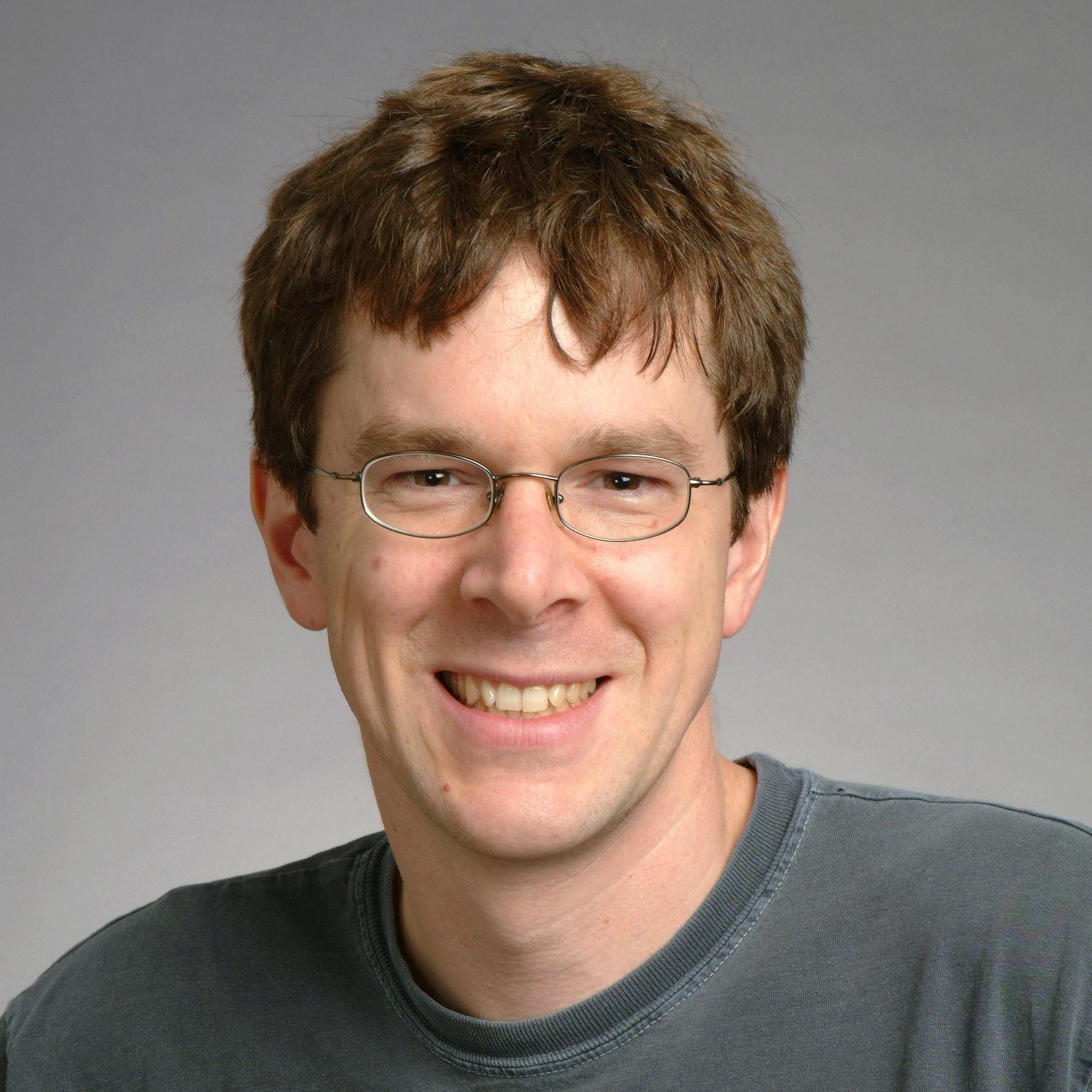 Robert Morris, người thả loại sâu máy tính gây nghẽn mạng internet đầu tiên trên thế giới, hiện đang làm việc tại MIT. Ảnh: MIT.