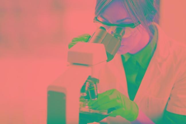Phát triển một loại thuốc mới là một quá trình rất lâu dài và tốn kém - Ảnh: iStock