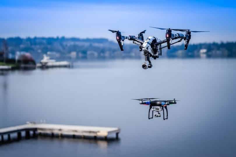 Những máy bay không người lái (Drones) đôi khi cần rời khỏi lưới điện trong thời gian dài và đòi hỏi nguồn pin duy trì được nhiều tuần |