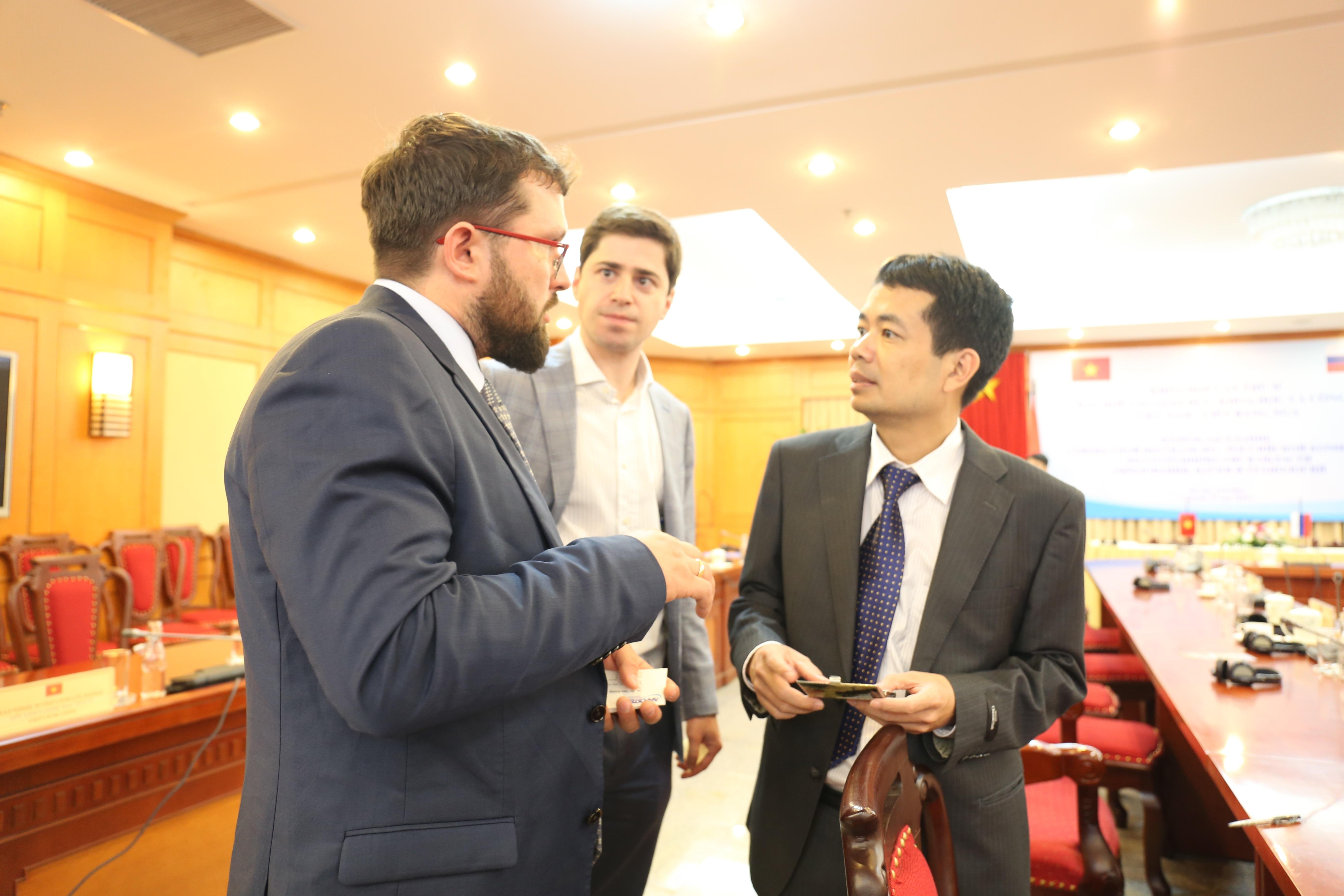 Các nhà quản lý Nga và Việt Nam trao đổi về cơ hội hợp tác.