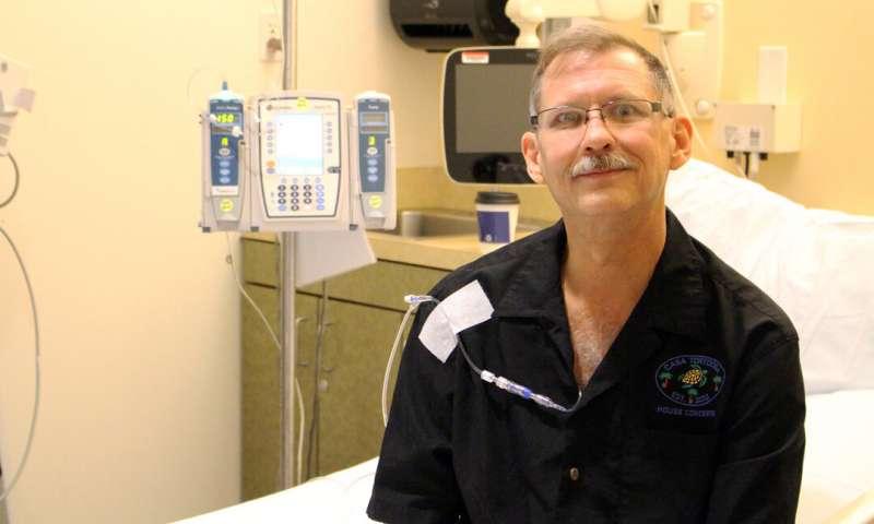 Derek Ruff trở thành bệnh nhân đầu tiên trên thế giới được điều trị ung thư bằng liệu pháp tế bào gốc đa năng cảm ứng (iPSC).