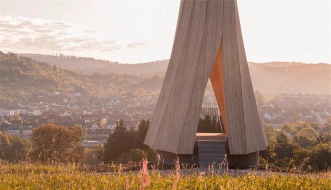 Độc đáo tòa tháp hình xoắn ốc được làm từ gỗ đầu tiên trên thế giới, không cong vênh, bền chắc không kém bê tông - Ảnh 11.