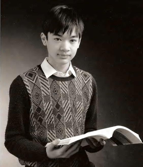 Terence Tao và cuốn sách đầu tiên của mình: Solving Mathematical Problems: A Personal Perspective.  Deakin University Press, Geelong, Vic.: 1992 (Viết năm 15 tuổi).