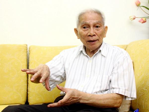 GS Hoàng Tuỵ