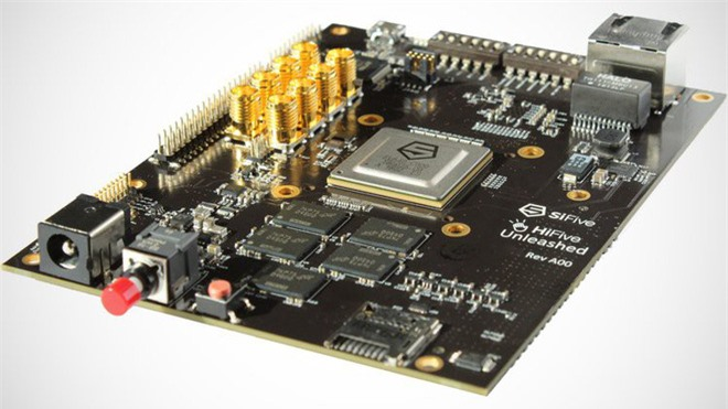 Bất chấp cuộc chiến thương mại, startup chip Mỹ lách luật để giúp Trung Quốc tự thiết kế chip - Ảnh 2.