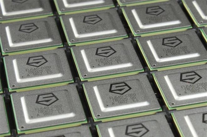 Bất chấp cuộc chiến thương mại, startup chip Mỹ lách luật để giúp Trung Quốc tự thiết kế chip - Ảnh 3.
