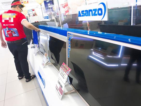 Một số nhà bán lẻ tạm ngưng kinh doanh, chờ phản hồi từ Asanzo.