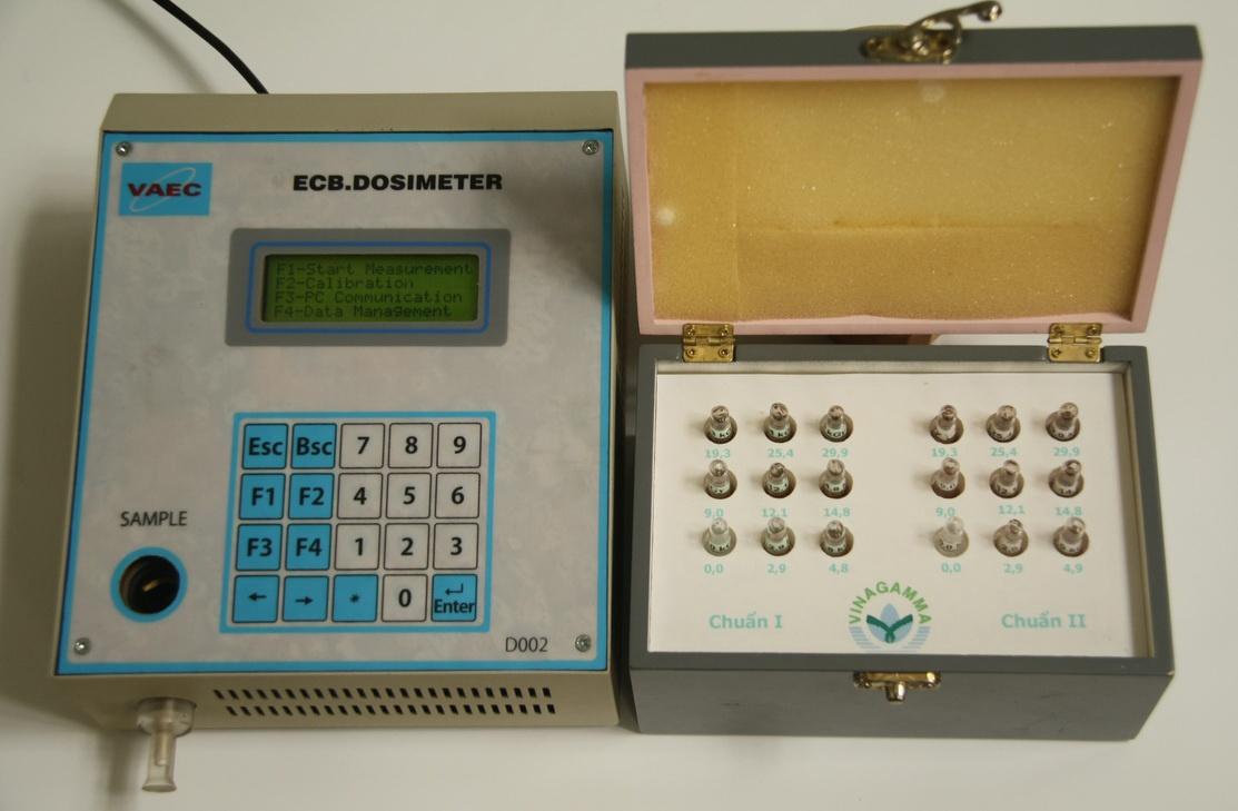VINAGAMMA đã thiết kế hệ đo liều hàng chiếu xạ loại liều kế ECB để Cuba có thể sử dụng với thiết bị chiếu xạ.