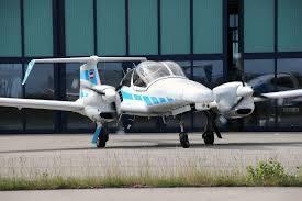 Camera của hệ thống định vị quang học trên máy bay nhận ra đường băng ở khoảng cách rất xa so với sân bay - Ảnh: Naked science
