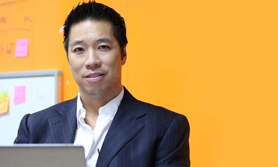 Tại Vietnam Ventures Summit vừa qua, John N. Le, chàng trai người Mỹ gốc Việt đã giới thiệu startup Propzy được thiết kế hoàn toàn cho thị trường Việt Nam. Đó là nền tảng giao dịch bất động sản dựa trên những công nghệ mới nhất, cho phép kết nối thành công giữa người mua và người bán nhanh nhất.