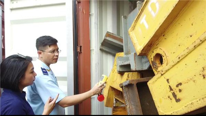 """Phế liệu sắt, thép muốn """"vào"""" được Việt Nam phải trải qua nhiều quy trình giám sát, kiểm tra"""