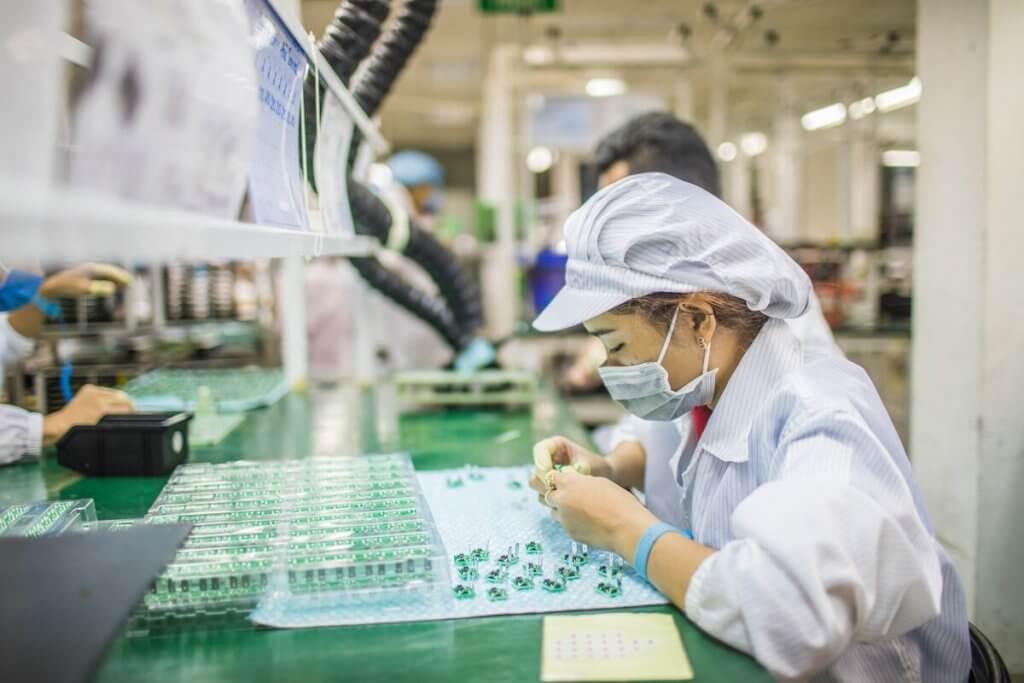 Việt Nam phải thay đổi từ một nền kinh tế chuyên gia công thành một nền kinh tế mà giá trị gia tăng dựa trên những sản phẩm và quy trình đổi mới sáng tạo. Ảnh: East West Manufacturing