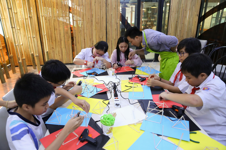 Arkki cung cấp những chương trình giáo dục nghệ thuật và kiến trúc xuyên suốt trong giai đoạn quan trọng từ 4 đến 19 tuổi,