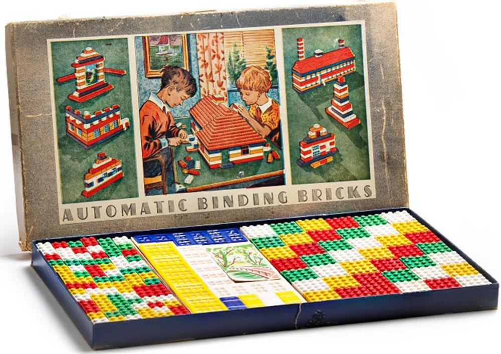 Một bộ sản phẩm gạch LEGO đầu tiên. Ảnh: History.