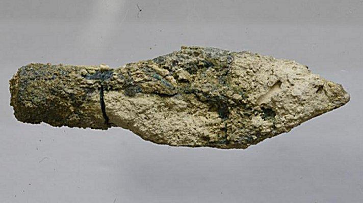 Đầu mũi tên có niên đại năm 587 – 586 trước Công nguyên. Ảnh: Virginia Withers.