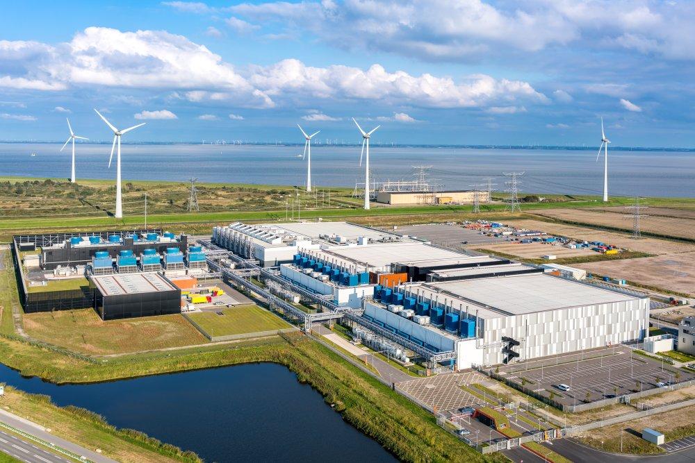 Google đã mua được 536 MW điện từ 4 trang trại điện gió ở Oklahoma, Iowa và South Dakota, đáp ứng 100% nhu cầu điện năng của công ty. Nguồn: Google