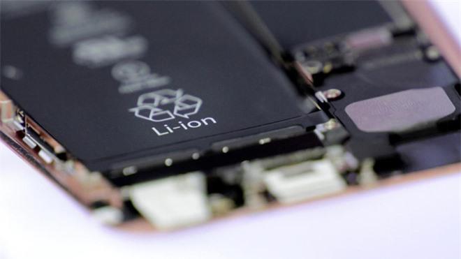 Canxi: Vật liệu phổ biến, an toàn và rẻ tiền có thể chấm dứt kỷ nguyên pin Li-ion - Ảnh 1.